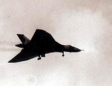 Airplane Picture - Vulcan over Ascension Island on 18 May 1982