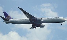 Airplane Picture - Continental Airlines 767-400ER on final approach
