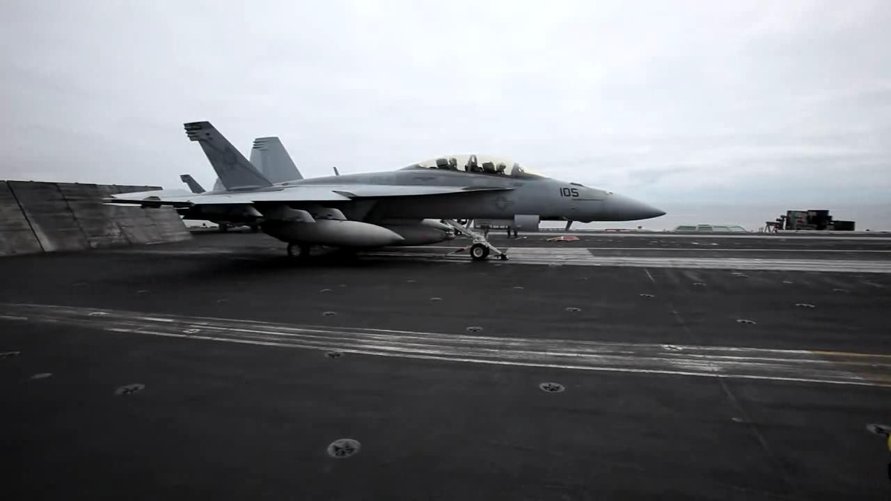 Airplane Picture - Video of F/A-18E/F Super Hornet taking off