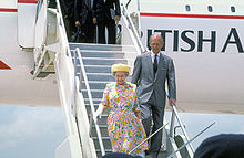 Aircraft Picture - HM The Queen and HRH The Duke of Edinburgh disembark Concorde