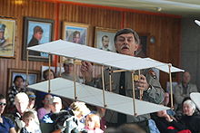 Aviation History - The Wright Brothers - Park Ranger Tom White demonstrates a replica of the Wright brothers 1899 box kite at the Wright Brothers Memorial