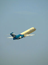 Airplane Picture - An AirTran Airways Boeing 717-200 climbing away in 2006.