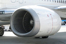 Airplane Picture - 737-400 engine with non-circular