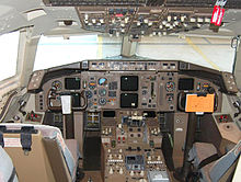Airplane Picture - Two-crew cockpit of an American Airlines 757-200