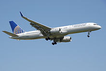 Airplane Picture - Continental Airlines 757-200 on final approach