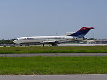 Airplane Picture - Delta Air Lines 727-200