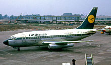 Airplane Picture - Lufthansa Boeing 737-100