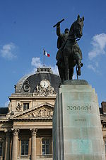 World War 1 Picture - The statue in Place Joffre, Paris, before the x�cole Militaire