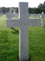 World War 1 Picture - Remember American soldier Gollhardt - 11 November 1918 at Meuse-Argonne American Cemetery and Memorial