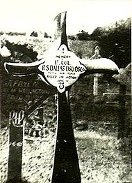 World War 1 Picture - The cross, made from the propeller of an S.E.5, marking Dallas's grave