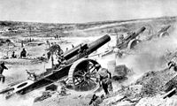 World War 1 Picture - 8-inch howitzers of the 39th Siege Battery, Royal Garrison Artillery, in action near Fricourt.