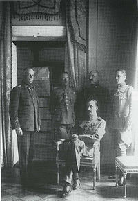 World War 1 Picture - Mannerheim as Regent (seated), with his adjutants (left) Lt. Col. Lilius, Capt. Kekoni, Lt. Gallen-Kallela, Ensign Rosenbrx�ijer.
