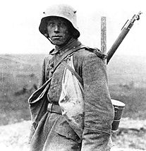 World War 1 Picture - German soldier in the Western Front in 1916
