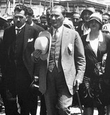 World War 1 Picture - Ataturk with his Panama hat just after the Kastamonu speech in 1925.