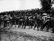 World War 1 Picture - Australians of 6th Brigade, 2nd Division, return from the battle, 10th August