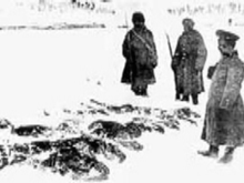World War 1 Picture - Russians collecting the frozen bodies of Turkish soldiers