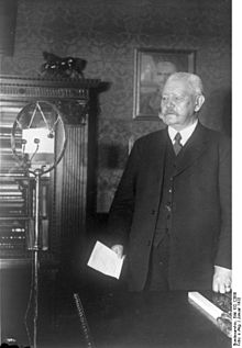 World War 1 Picture - Hindenburg at a radio microphone, January 1932
