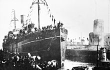 World War 1 Picture - German PoWs returning to Wilhelmshaven, Germany from Japan in February 1920.