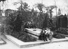 World War 1 Picture - Grave in Berlin (1931)