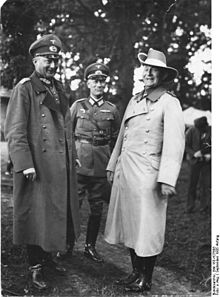 World War 1 Picture - Lettow-Vorbeck (right) as guest of General Gx�nther von Kluge at army maneuvers in 1935