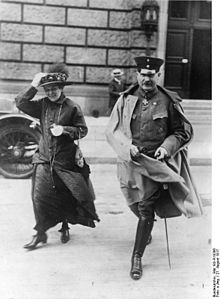 World War 1 Picture - Groener as deputy war minister (1917) (on the left is his wife)