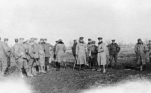 World War 1 Picture - British and German troops meeting in No man's land during the unofficial truce (British troops from the Northumberland Hussars, 7th Division, Bridoux-Rouge Banc Sector)
