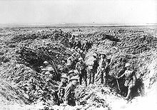 World War 1 Picture - Canadian soldiers consolidating their positions on Vimy Ridge