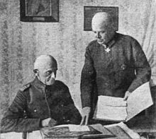 World War 1 Picture - von Hoeppner in consultation with his Chief of Staff, Oberst-Lieutenant Thomsen