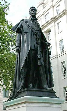 World War 1 Picture - Statue of George VI at Carlton Gardens, London