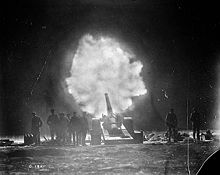 World War 1 Picture - 6-inch gun of the Royal Garrison Artillery firing over Vimy Ridge behind Canadian lines at night