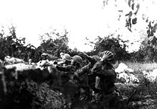 World War 1 Picture - American Soldiers in the trench