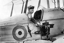 World War 1 Picture - An observer of the Royal Flying Corps in a reconnaissance aircraft