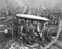 World War 1 Picture - ZR-3 USS Los Angeles over southern Manhattan