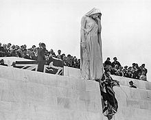 World War 1 Picture - The 1936 unveiling of the Vimy Ridge Memorial by Edward VIII, king of Canada; the sculpture represents Canada mourning her fallen sons