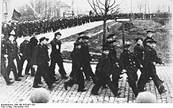 World War 1 Picture - Sailors demonstrating at Wilhelmshaven