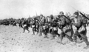 World War 1 Picture - French bayonet charge