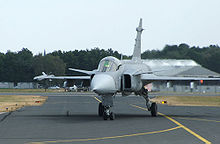 Airplane Picture - JAS 39 Gripen taxiing in after display, Farnborough 2006