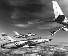 Airplane Picture - F-105 Thunderchief refueling from KC-135 tanker.