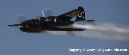 Airplane Pictures - Living Warbirds: Grumman F7F-3P Tigercat