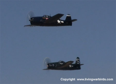 Airplane Pictures - Grumman F8F-2 Bearcat, Living Warbirds