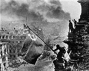 Airplane Pictures - Soviet soldiers raising the Soviet flag over the Reichstag after its capture